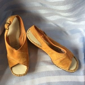 Vtg 70s Hush Puppies Suede Platform Wedges, Sz 5US